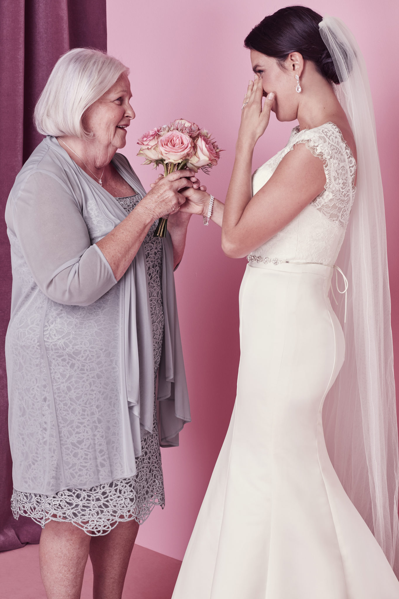 Special Ways to Incorporate Your Grandparents into Your Wedding Day