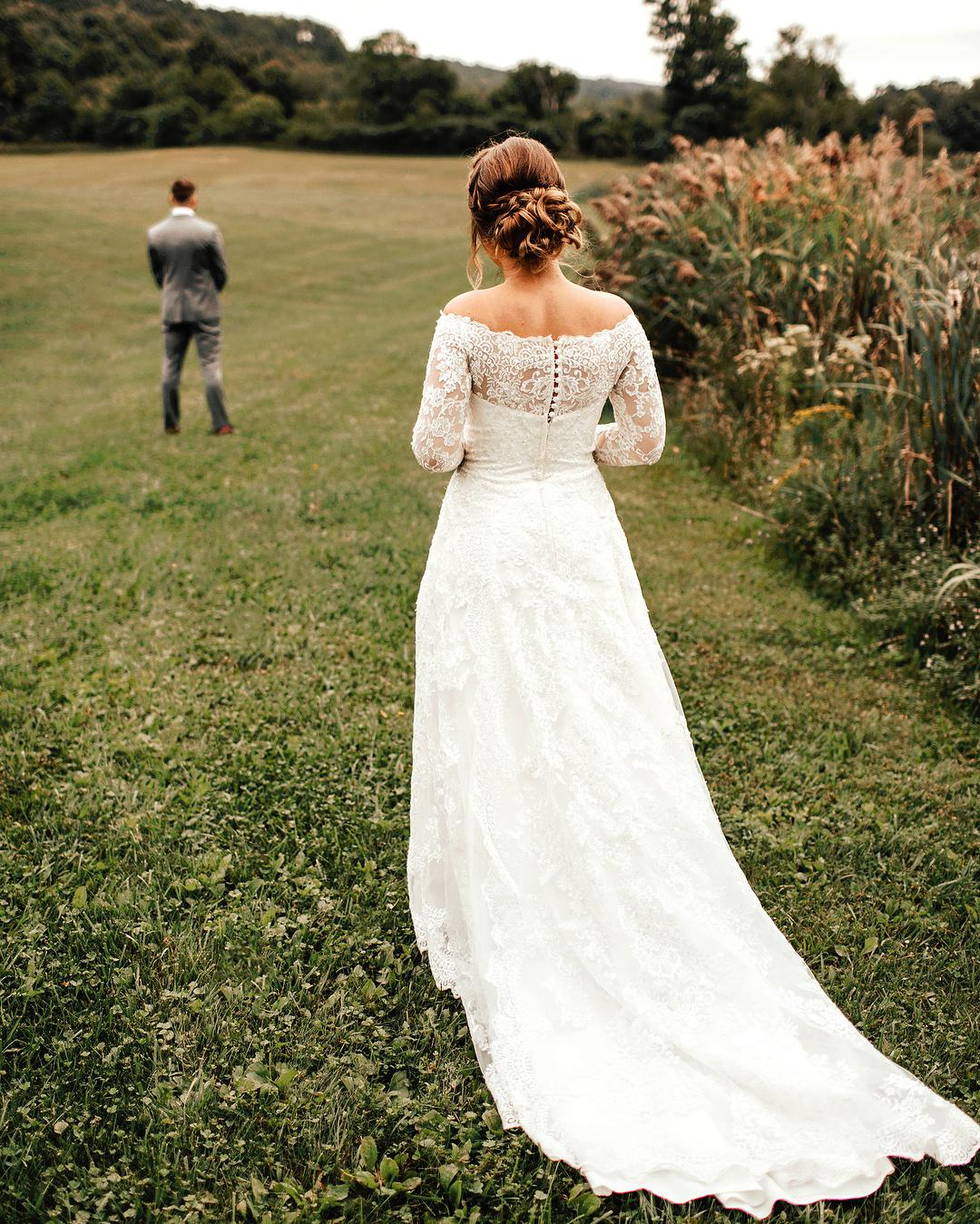 Should You Have A First Look Before The Wedding?