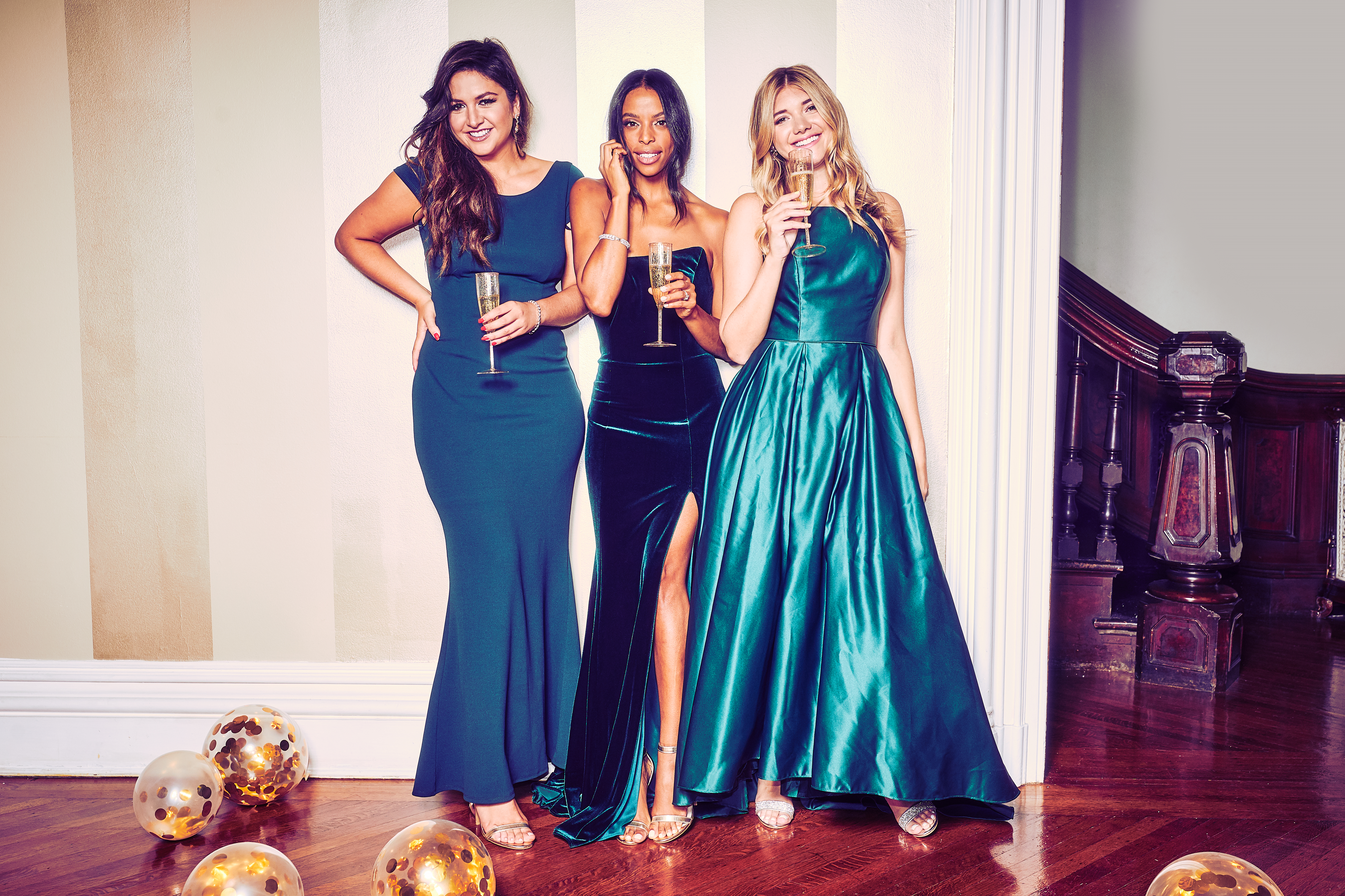 @lexicon of style @waityouneedthis @honestlykate in the hottest dress color of the season: green!