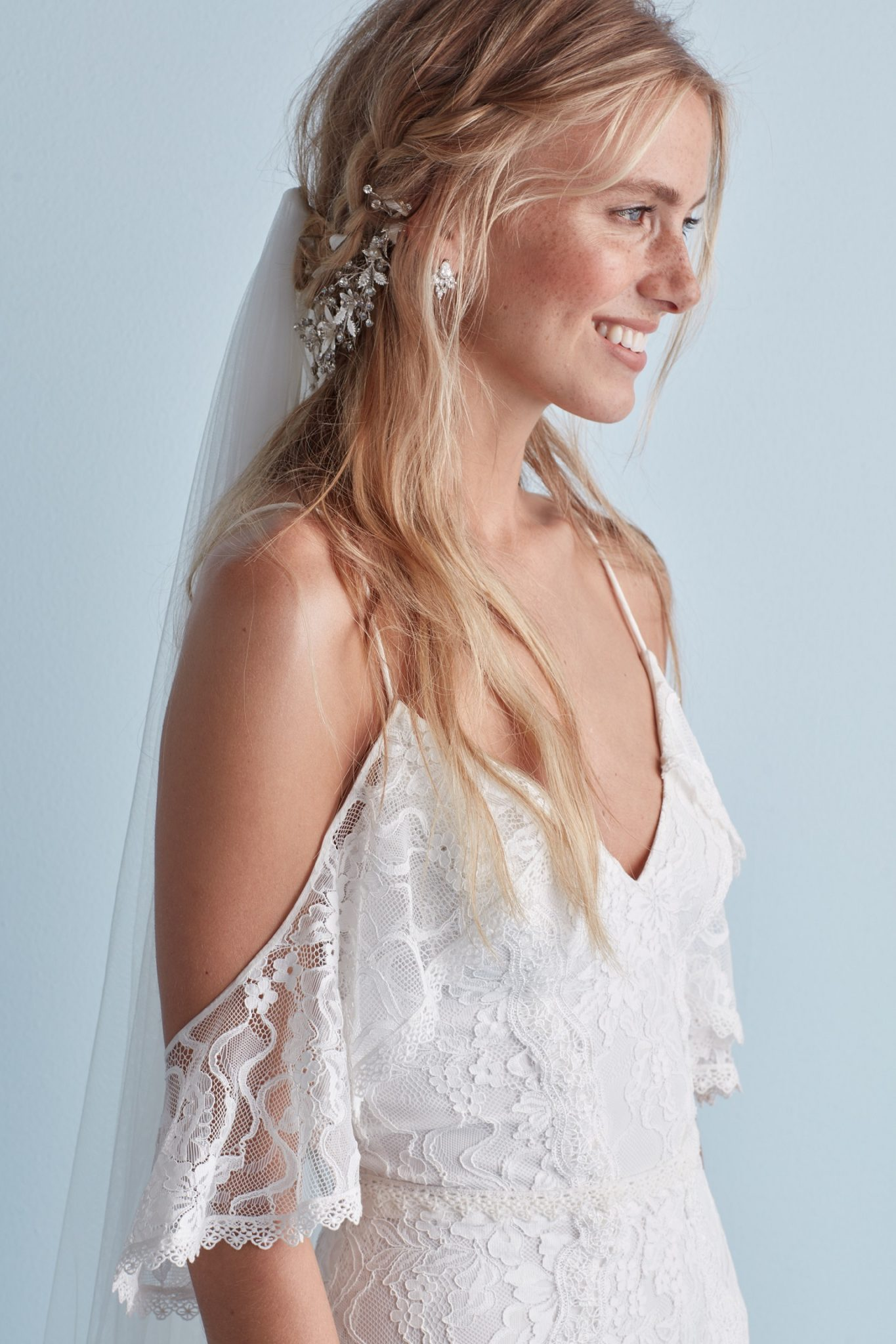 Long Wedding Hairstyles You Need To Try David S Bridal Blog
