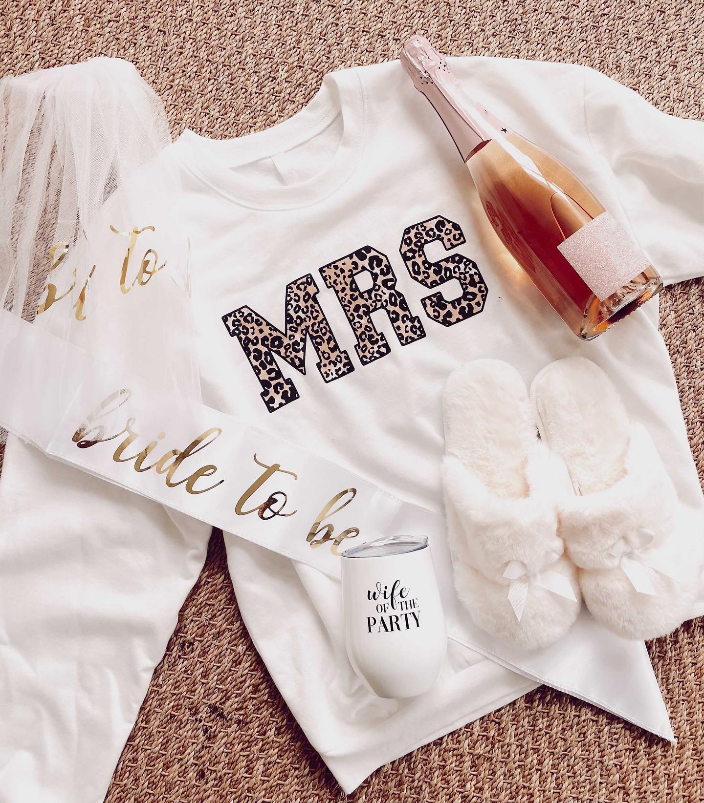 engagement gifts for the bride to be