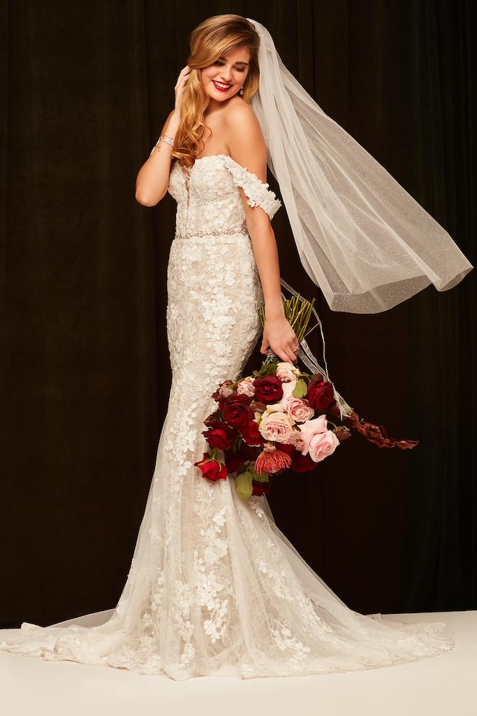 bride wearing mermaid style gown
